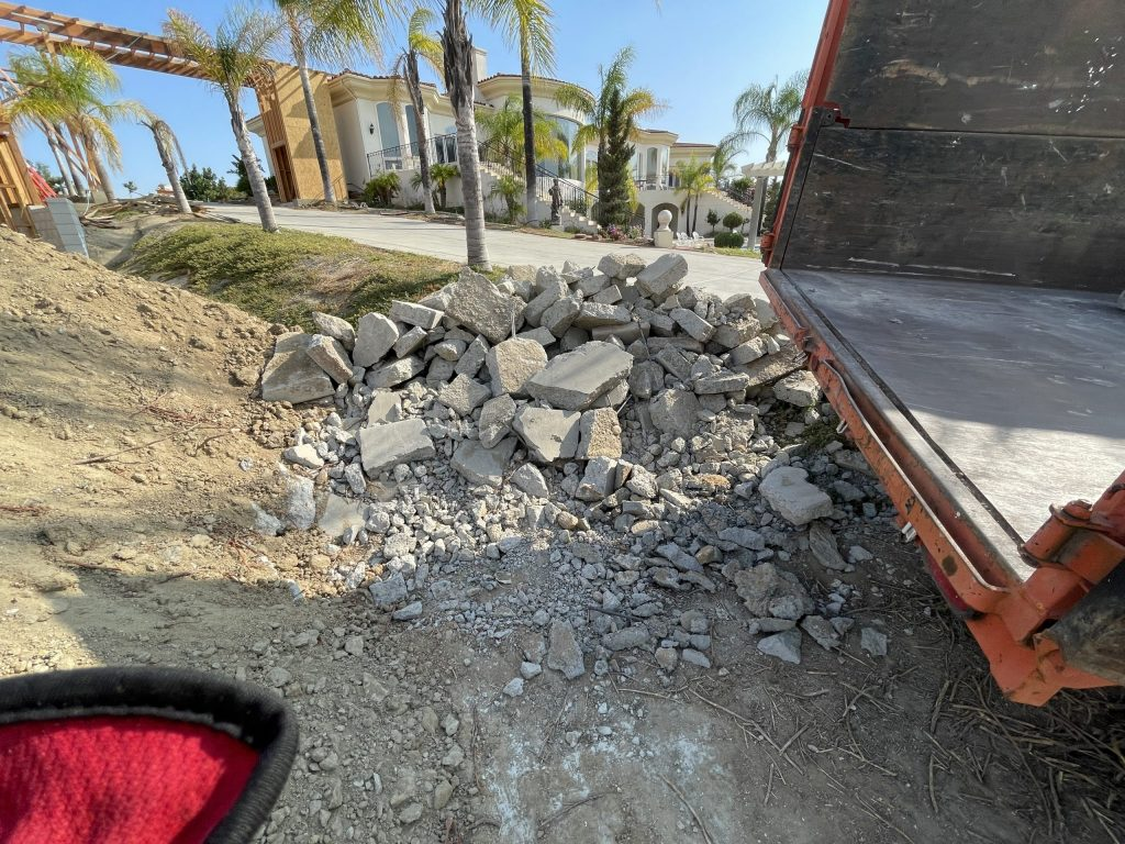 Junk Removal and Junk Hauling in Oceanside, California (7170)