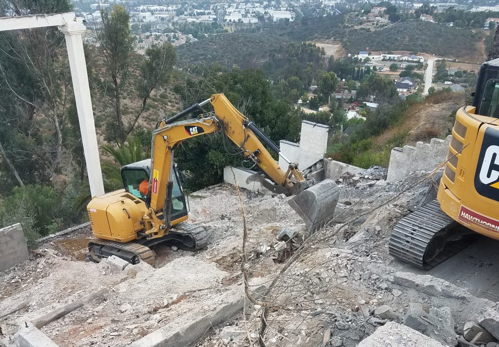 Construction Debris Removal in National City, California (6950)